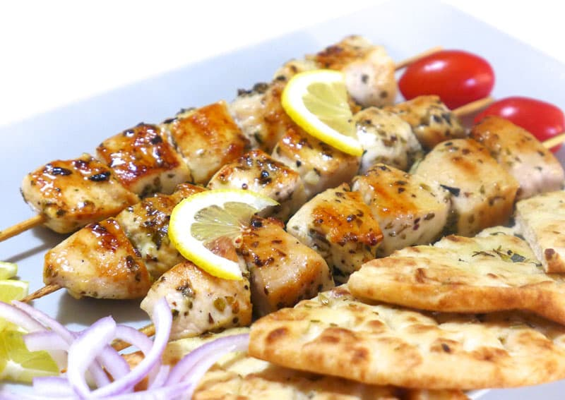 TRADITIONAL DISHES TO EAT IN GREECE